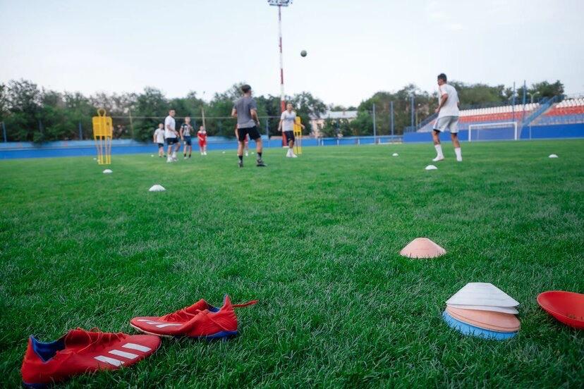 Астраханские футболисты рассказали о роли спорта в их жизни
