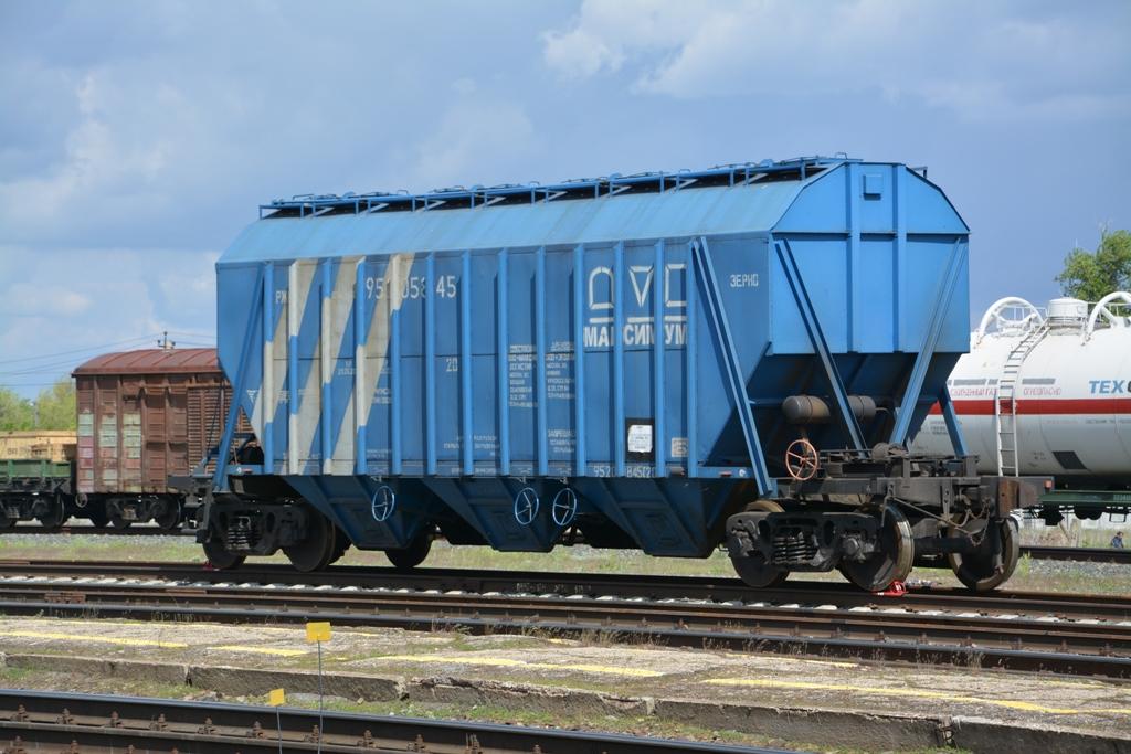 Погрузка зерна нового урожая началась на Приволжской железной дороге