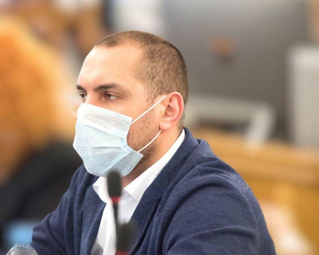 Астраханский депутат заразился коронавирусом и ушел на самоизоляцию