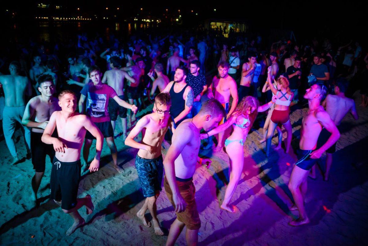 На городском пляже Астрахани проведут пенную вечеринку