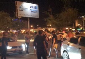 В центре Астрахани ночью засняли массовую драку