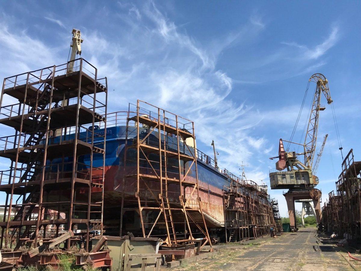 Астраханский судоремонтный завод сократил численность сотрудников до одного человека
