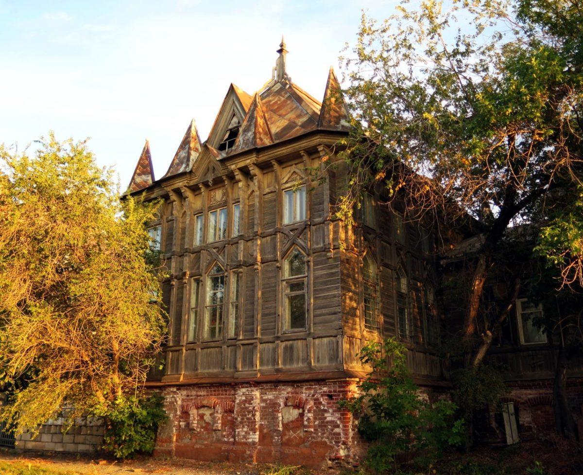 В Астрахани хотят отреставрировать старинное готическое здание