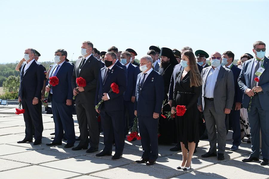 Игоря Бабушкина заметили на открытии мемориального комплекса в Ростове