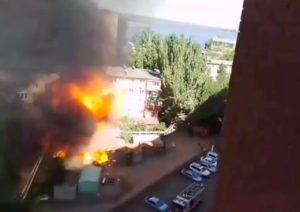 Взрыв гаража в Астрахани попал на видео очевидца
