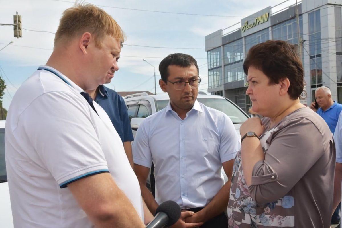 Перед ремонтом улицы в Астрахани меняют коммунальные сети