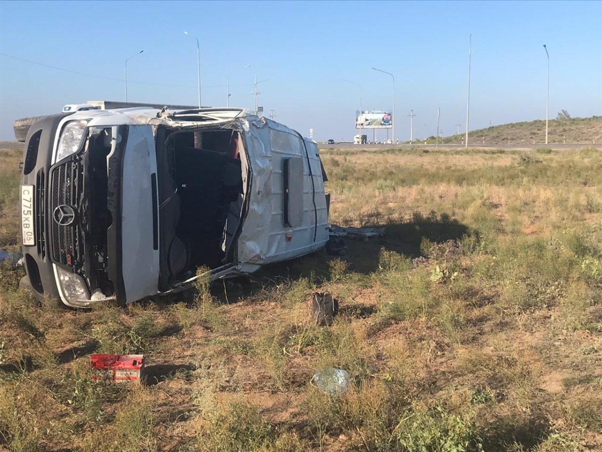 Смертельное ДТП под Астраханью: водитель погиб, семь человек в больнице