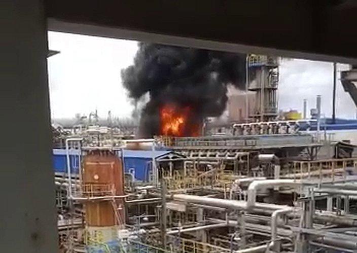 На Астраханском газоперерабатывающем заводе вспыхнул пожар