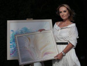 Каспийский медиафорум собирается посетить восходящая звезда российской живописи Анна Воронина