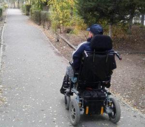 Инвалид из Астрахани подал в суд на власти региона