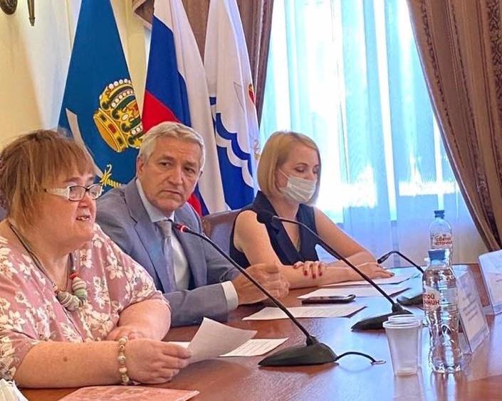 Леонид Огуль призвал чиновников подумать об инвалидах