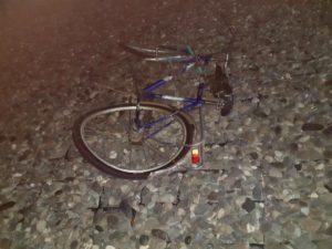 В Астраханской области волгоградец насмерть сбил велосипедиста