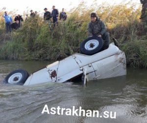 Возле астраханского села ушел под воду УАЗ с четырьмя охотниками