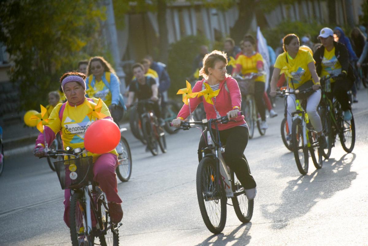 Ну, приехали: велосипедисты заполонили улицы Астрахани