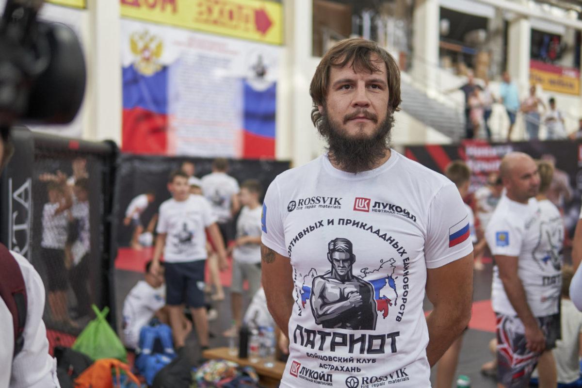 Боец мирового уровня посетил Астрахань и провел мастер-класс для подростков