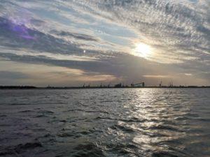 Очередное судно не дошло до Ирана и застряло в Астраханской области