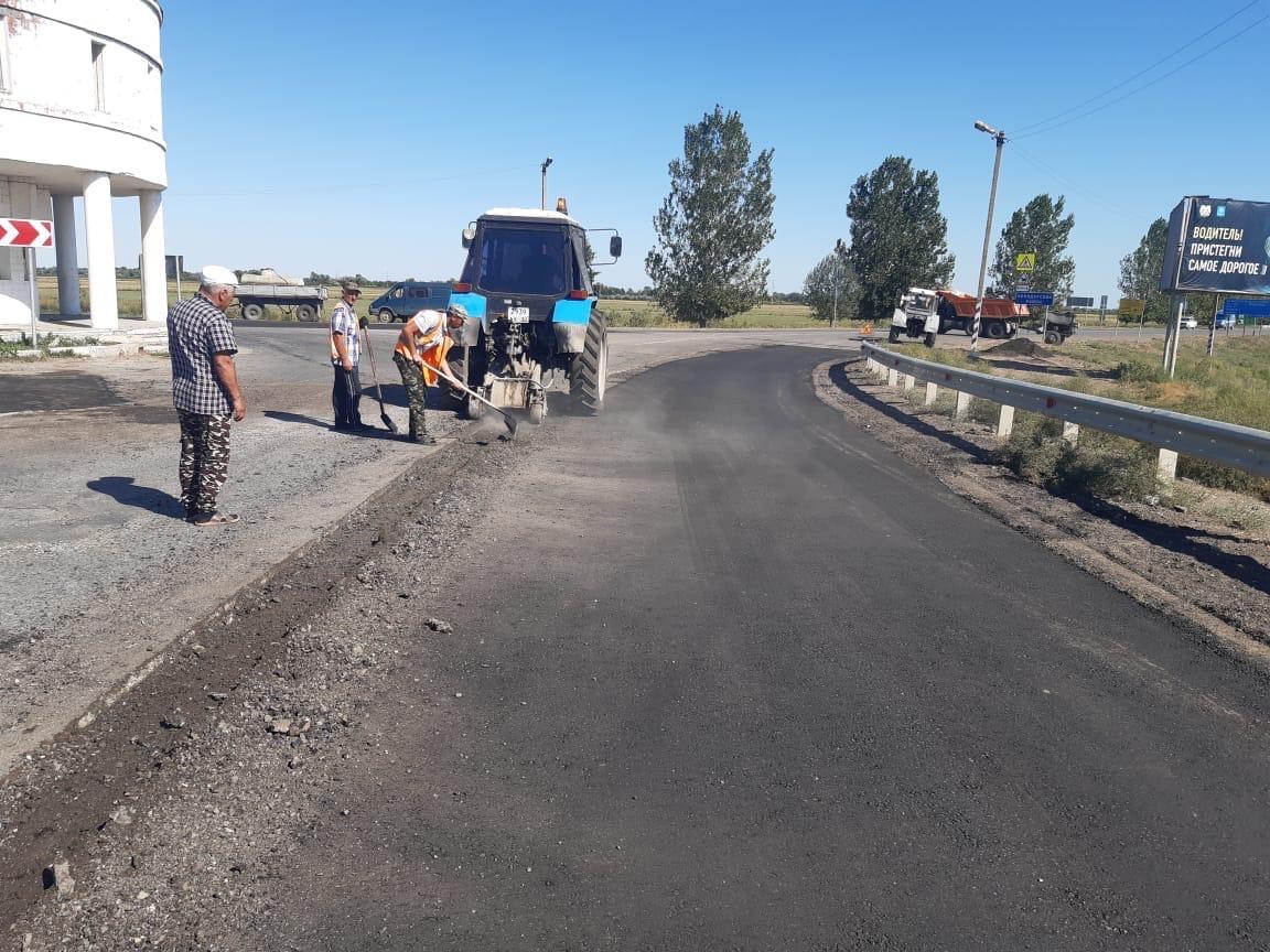 Дорогу на въезде в Володарский район привели в порядок