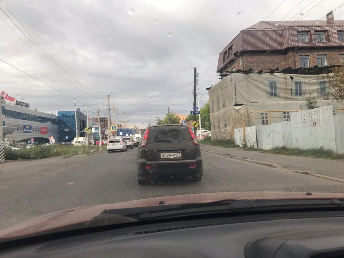 Удивившие астраханцев дорожные знаки оказались незаконными