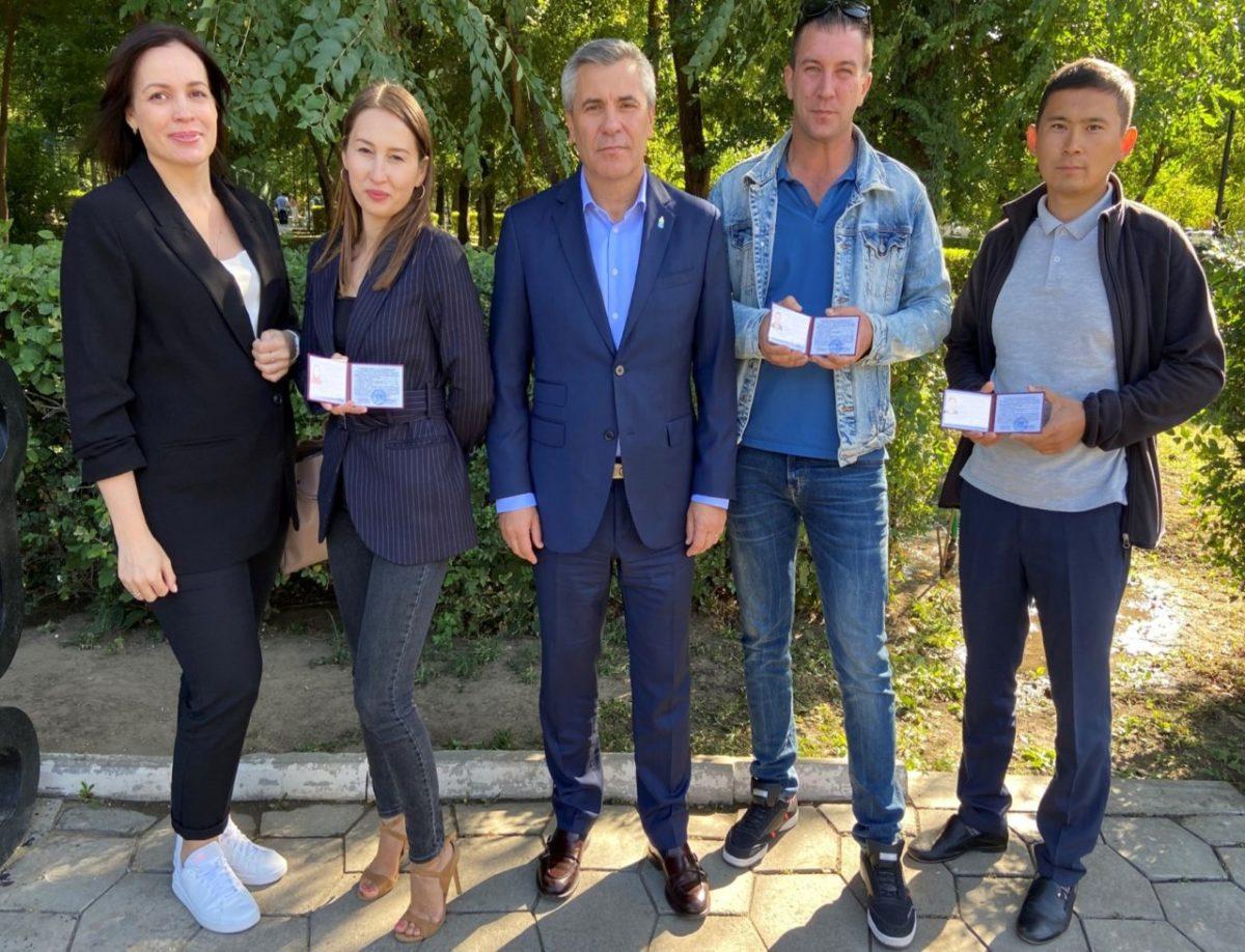 В Астрахани специалисты регоператора ООО «ЭкоЦентр» получили удостоверения общественных инспекторов