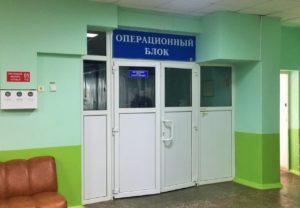 Хирурги ГКБ №3 им. Кирова спасли жизнь гражданину Великобритании с редкой патологией