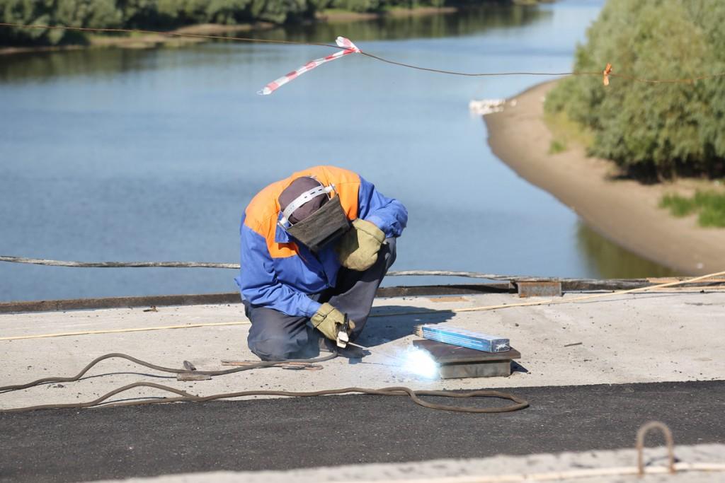 Подрядчика ремонта моста через Белый Ильмень хотят принудить выполнить работы
