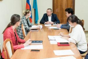 Дума Астраханской области готовит обращение о создании федерального регистра «ветеранов труда»