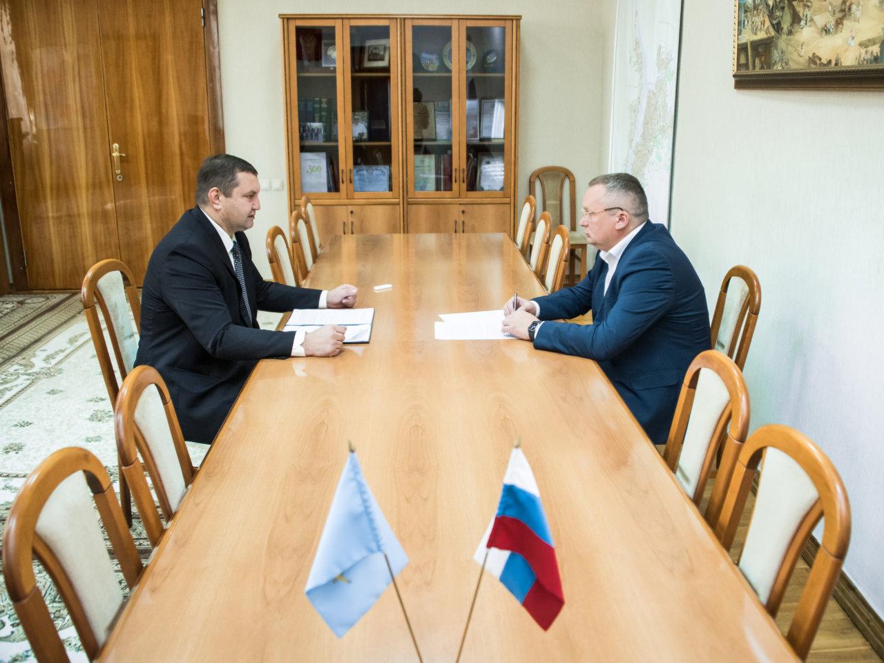 В Астрахани обсудили контроль над ценами на продукты и жизненно важные лекарства