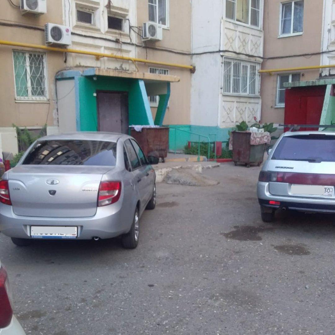 В Астрахани автомобилисты более 900 раз перекрывали подъезд к контейнерным площадкам