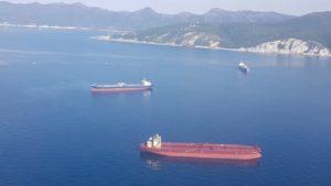 В Азовском море ищут пропавшего астраханского моряка