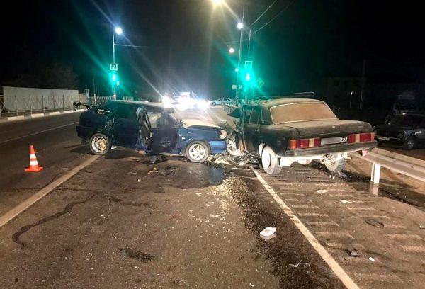 В ночной аварии серьезно пострадали трое астраханцев