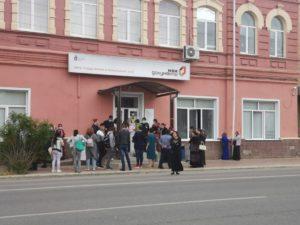 Астраханский министр соцразвития рассказал, как избежать давки в МФЦ