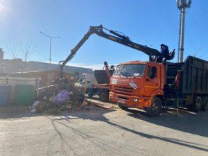 Регоператор ООО «ЭкоЦентр» продолжает уборку территорий в Астрахани от стихийных свалок