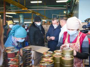 Игорь Мартынов посетил Кировский рыбозавод