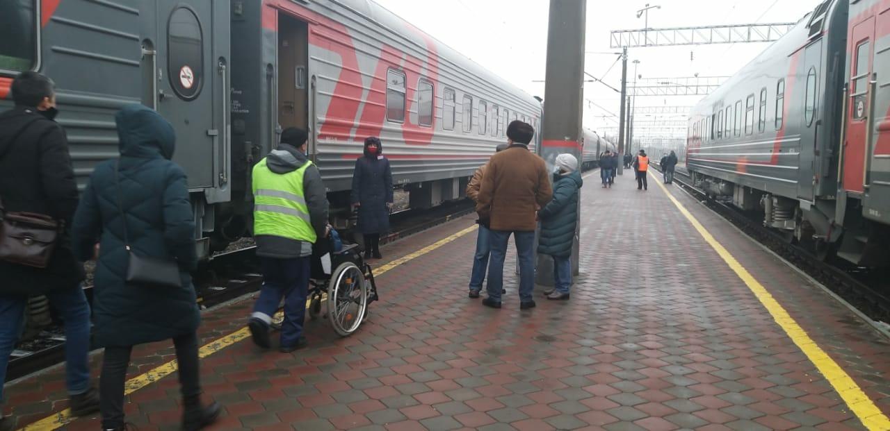 Услугами сопровождения на вокзалах Астраханского региона ПривЖД с начала 2020 года воспользовались 755 маломобильных граждан