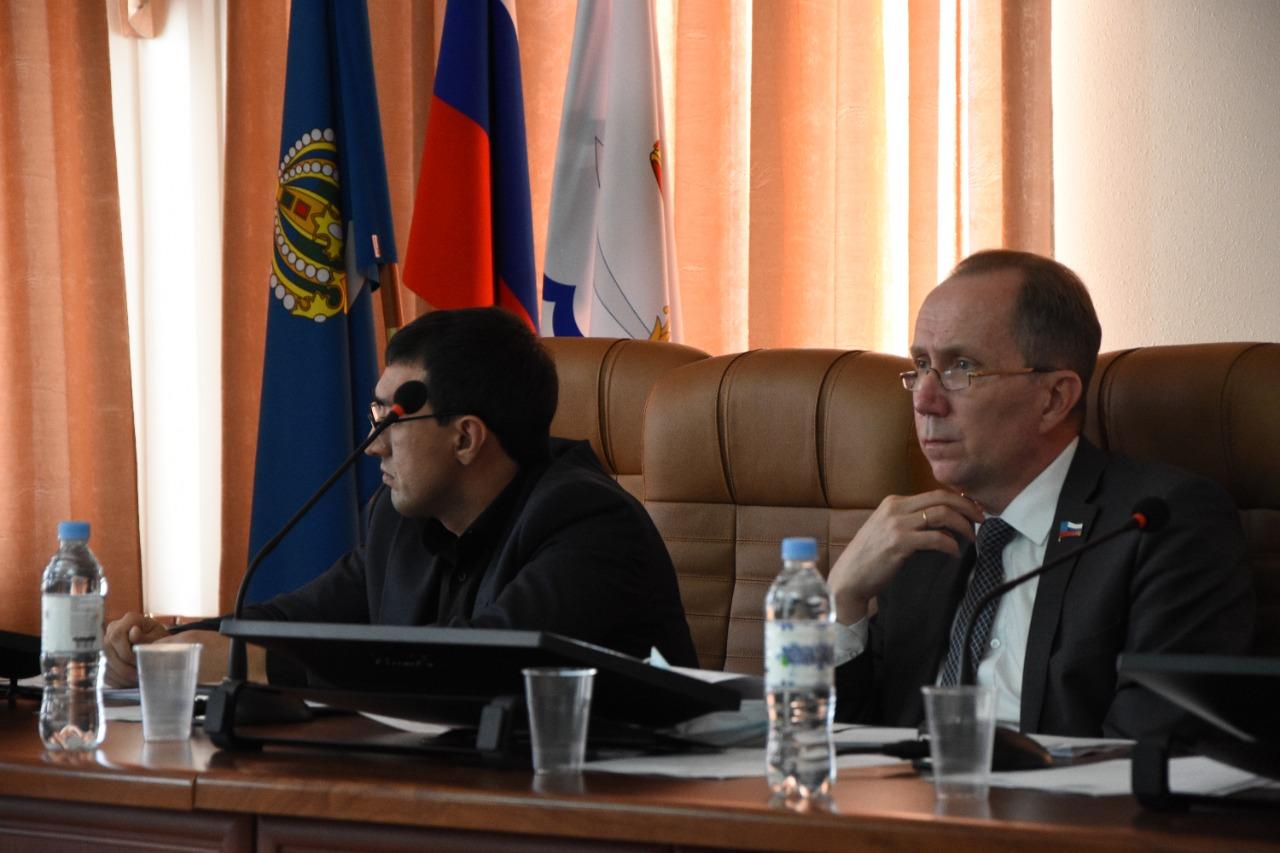 Астраханские депутаты начали рассматривать городской бюджет на будущий год
