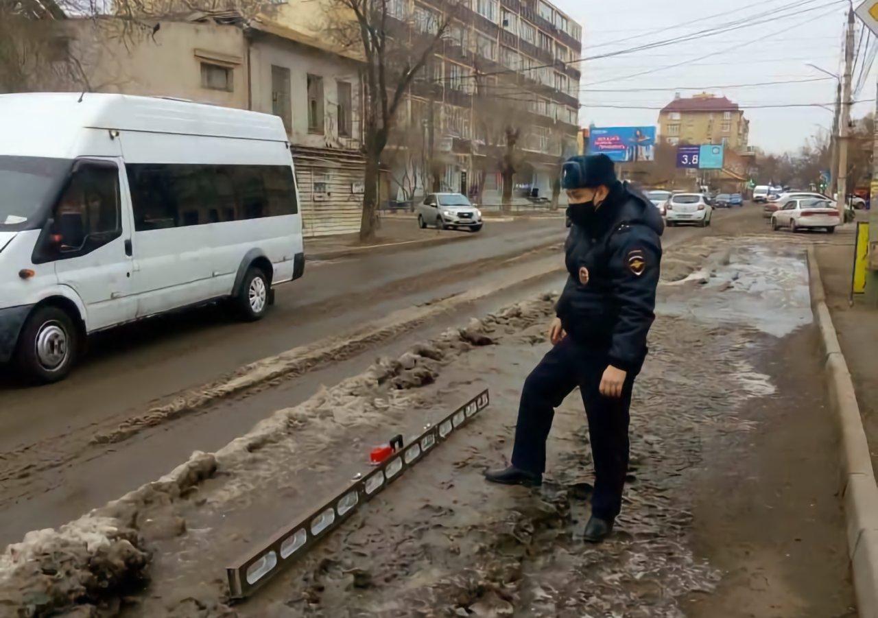 ГИБДД выписало «Астрводоканалу» предписания за обледеневшие улицы