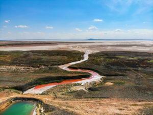 Дамбы возле озера Баскунчак, которые хочет снести «Руссоль», потребовали поставить на учет