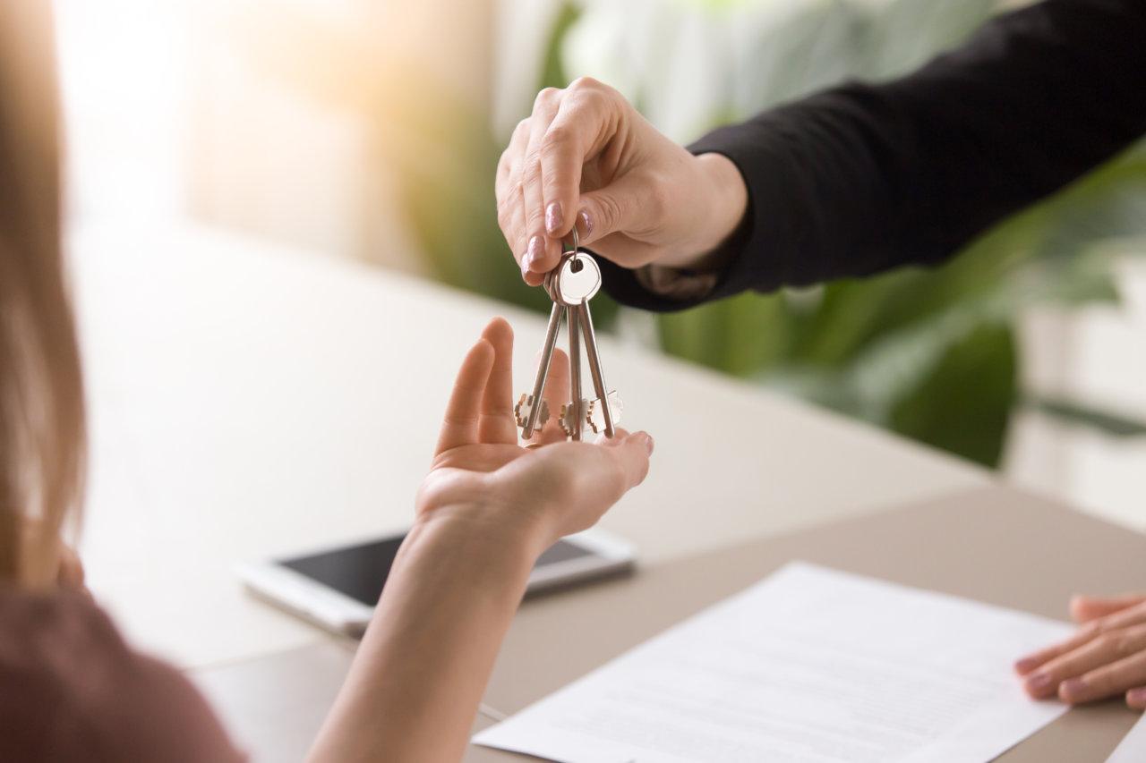 Как провести сделки с недвижимостью под конец года