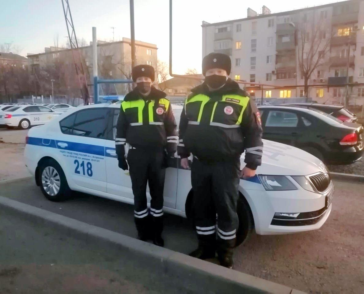 Астраханские полицейские вместе с психиатром спасли мужчину от смерти