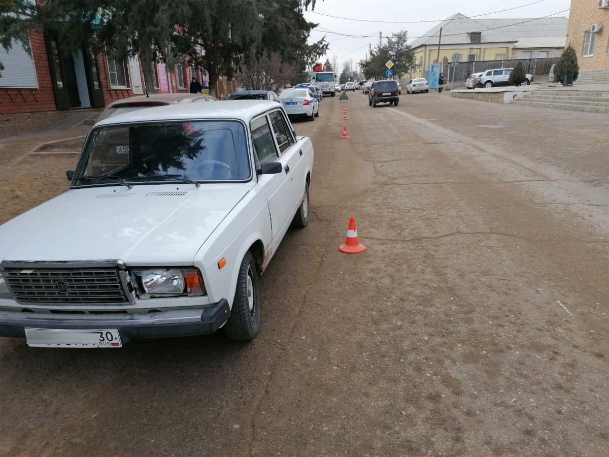 В Астраханской области автомобиль сбил 8-летнего мальчика, он госпитализирован