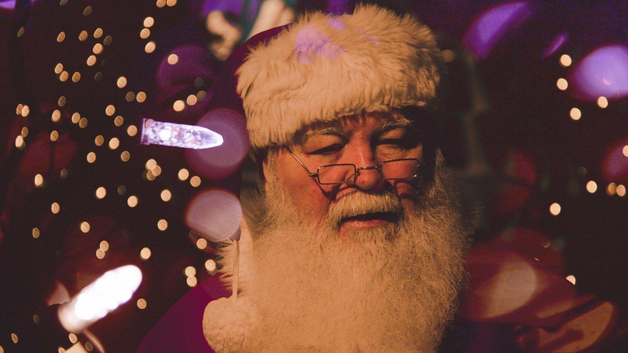 В Астрахани заработал бесплатный номер Деда Мороза и Снегурочки для абонентов МТС