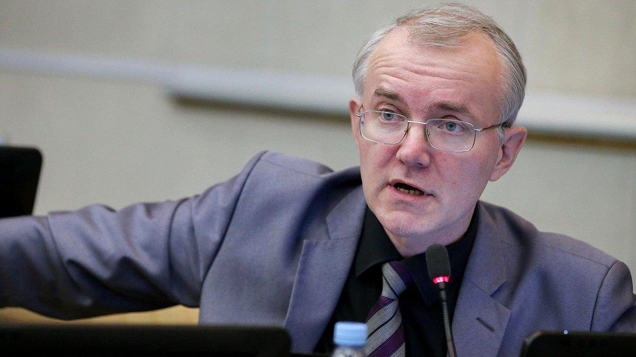 Госдума обратит внимание на ситуацию с аварийными домами в Астрахани