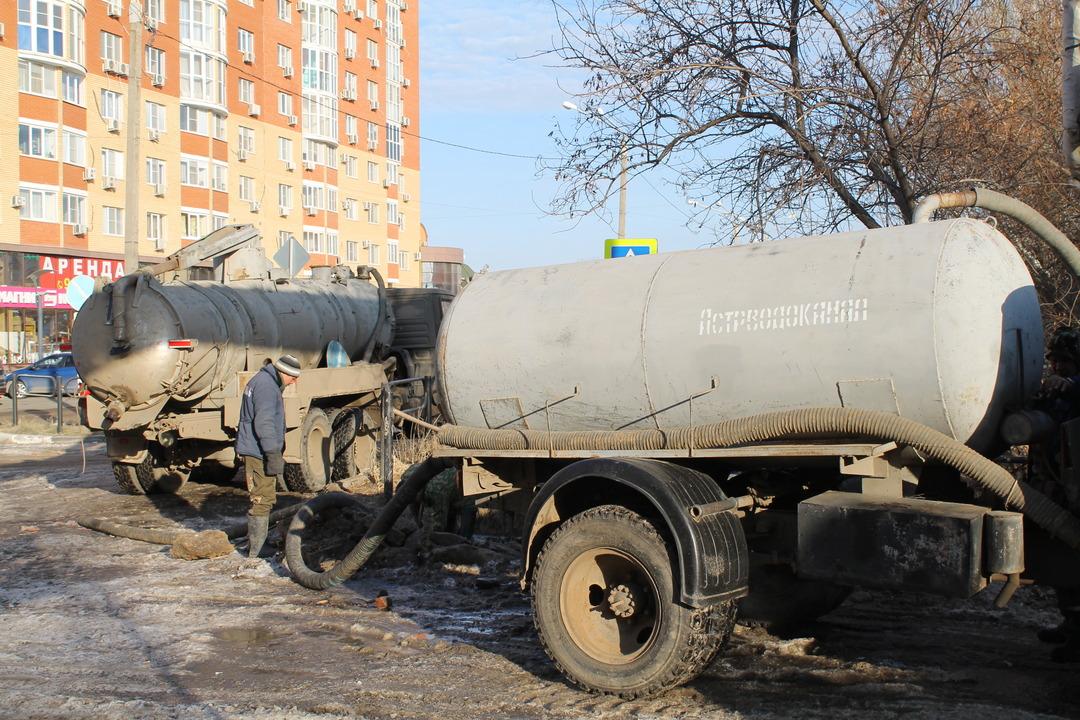 Астраханские коммунальщики за неделю устранили сотню аварий на водопроводе
