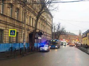 Водитель автобуса резко рванул с места и травмировал пожилую пассажирку
