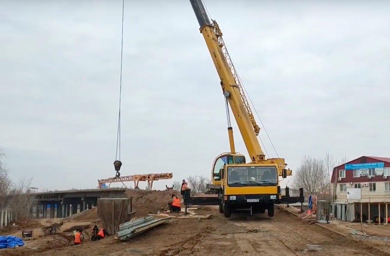 На Милицейском мосту замечены активные работы