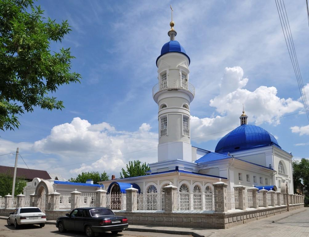 В Астраханской области восстановили и построили более 50 мечетей