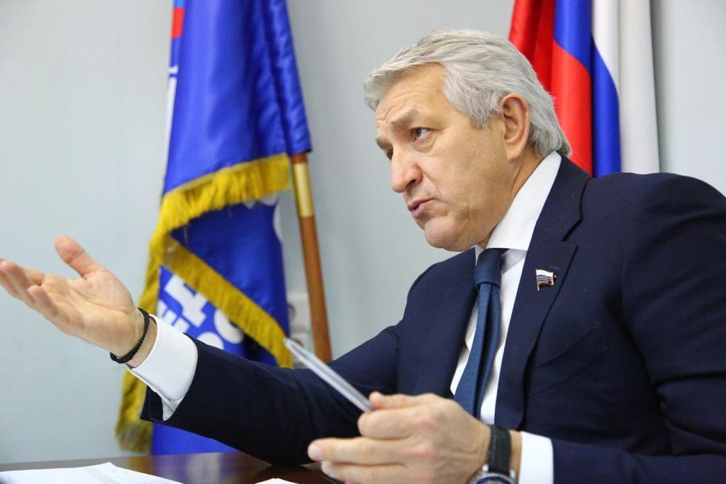 Леонид Огуль призвал не передергивать на теме расселения ветхого жилья