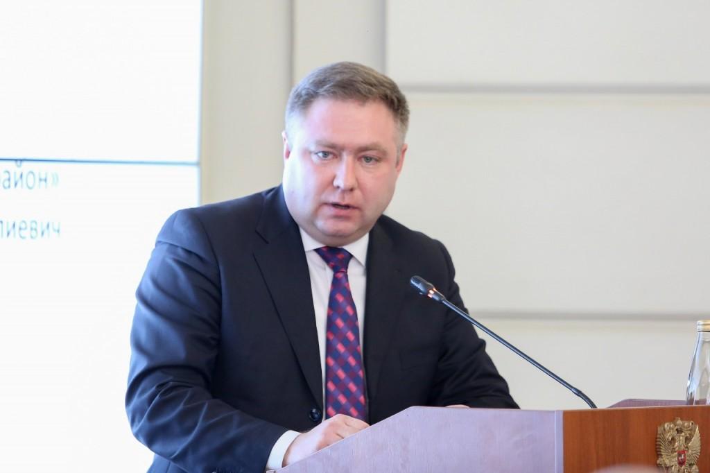 Губернатор предложил главе Ахтубинского района уйти в отставку