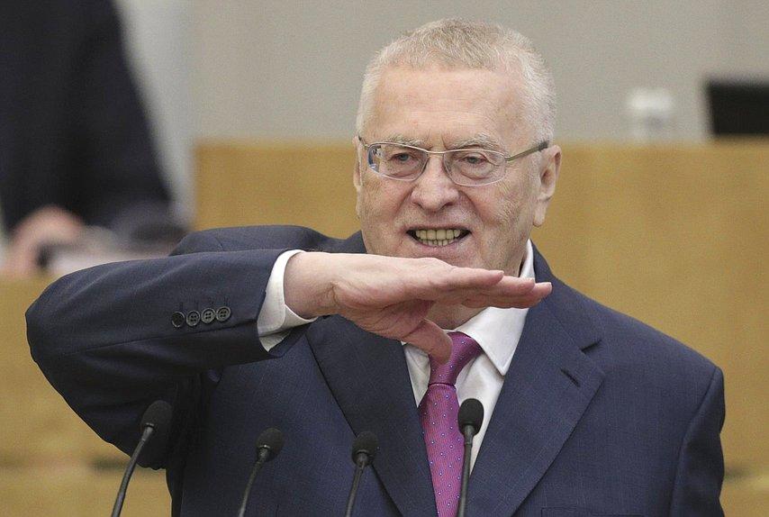 Жириновский призвал ограничить предельный вес россиян