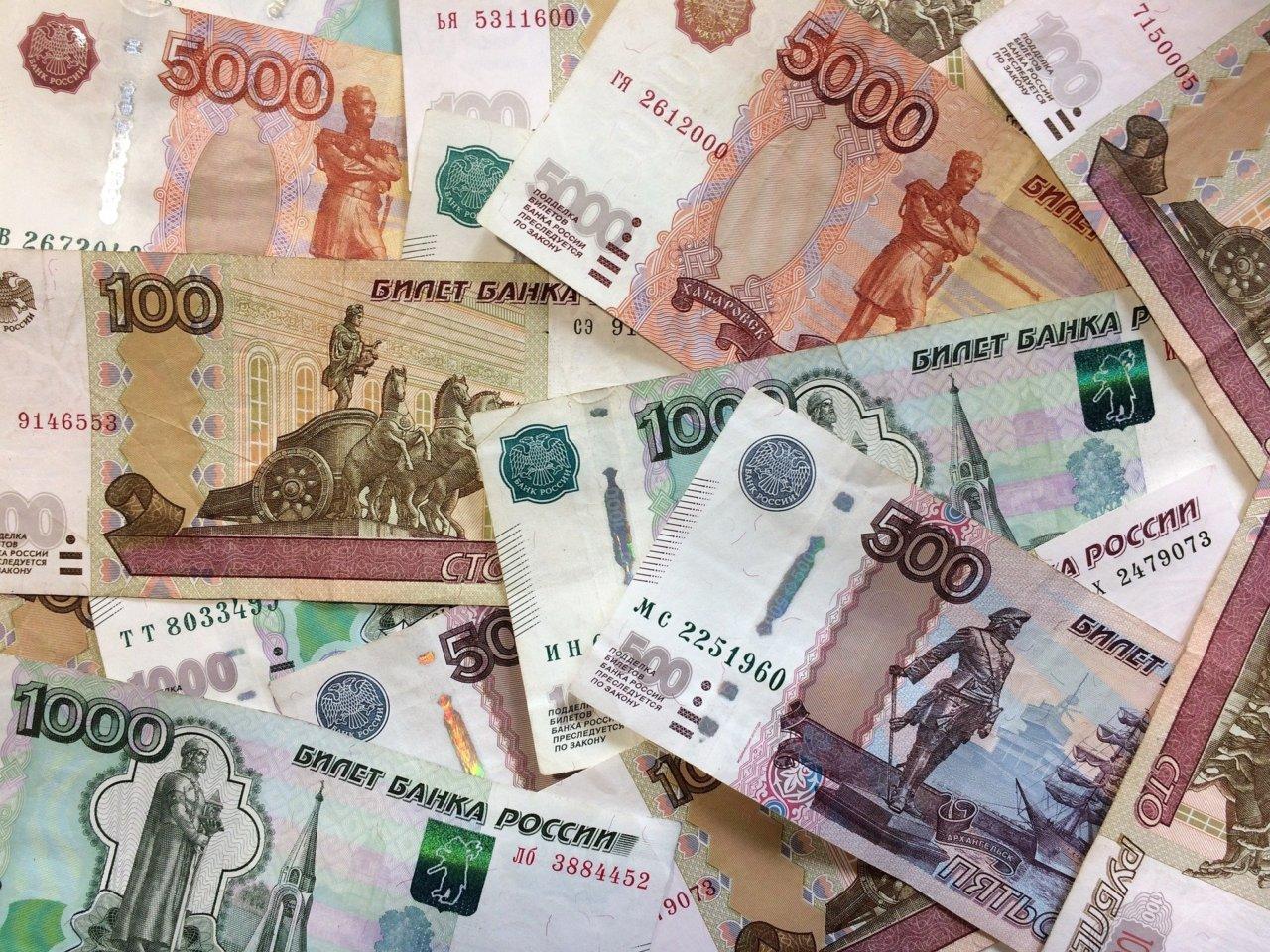 Банк «Открытие»: большинство женщин юга России потратят на подарки 23 февраля до 3 тыс. рублей